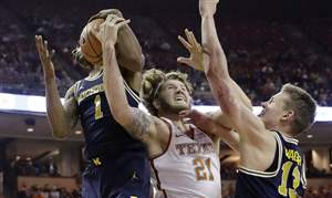 Michigan-Texas-Basketball-2