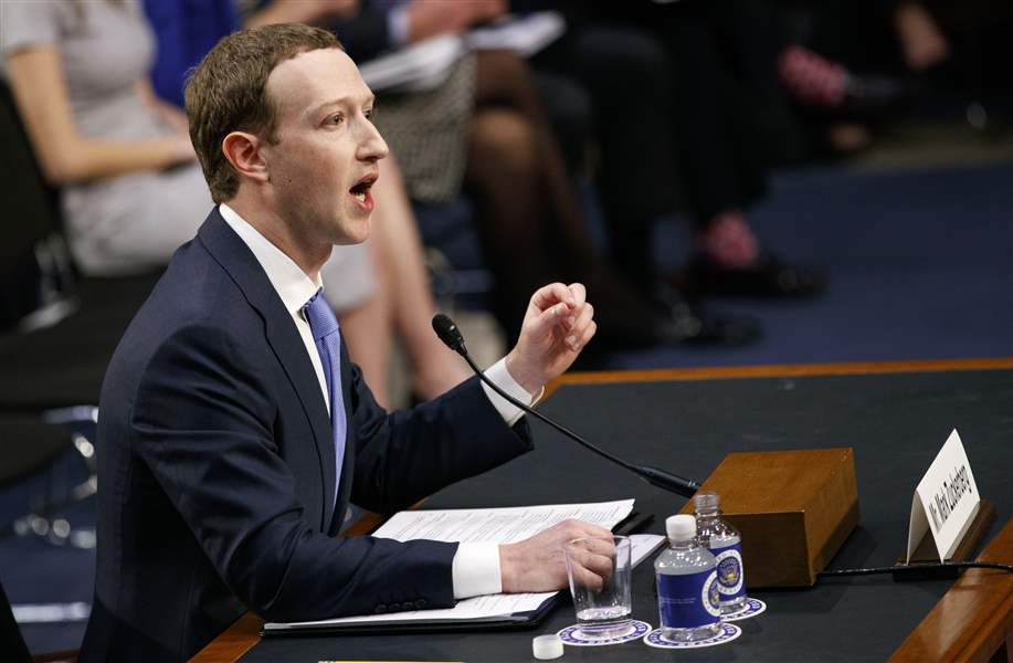 Facebook-Privacy-Scandal-Congress-4