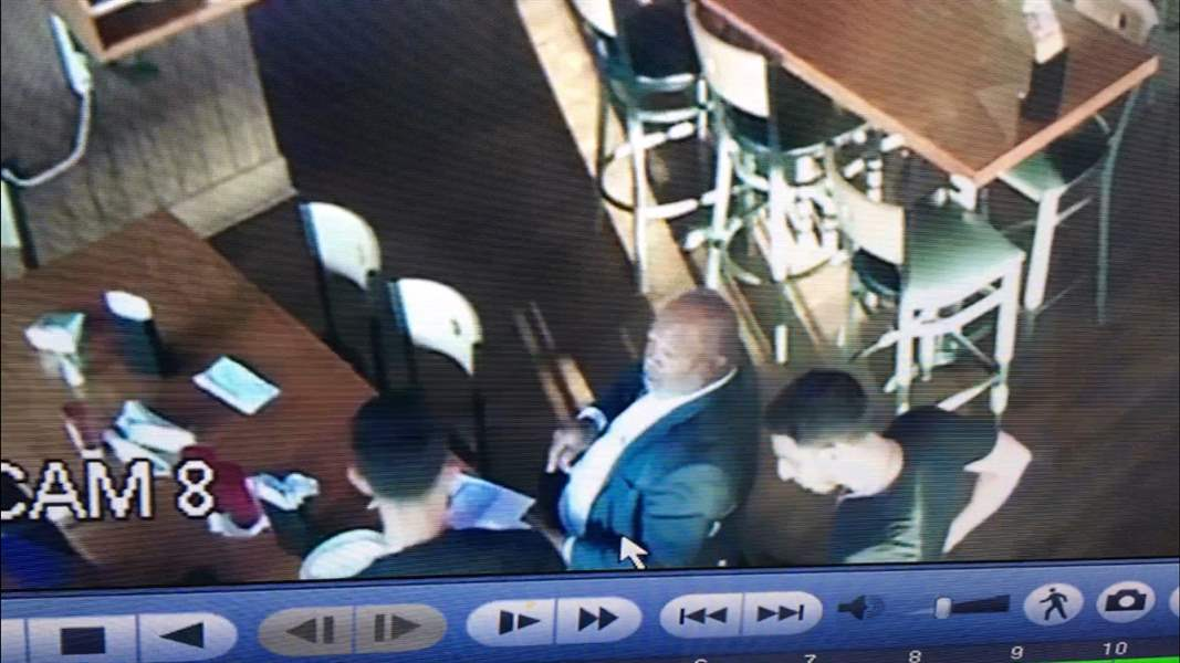 1-of-2-Riley-Dine-and-Dash-2
